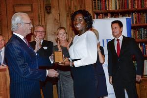 Kungen delade ut Stiftelsen IFS utmärkelse Årets Nybyggare 2013 till Milan Rupertsson vid en ceremoni på Stockholm slott ifjol.