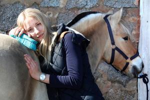 Patricia Nyman med fjordingen Normann.