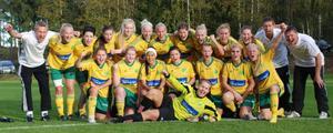 Kvaljubel hos LIF:s damer efter segern 3-1 i derbyt mot Järvsö BK.