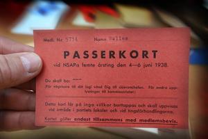 En raritet i samlingarna: Erik Walles har sparat och till Riksarkivet donerat sin hustrus passerkort till de svenska nazisternas riksting 1938. Hon är som framgår medlem 5734. DD har retuscherat förnamnet.