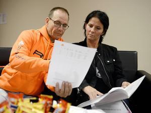 Jan-Olov Öhlén och Ulrika Källberg vill flytta hem till Sundsvall om några år. De bor nu i Härnösand.