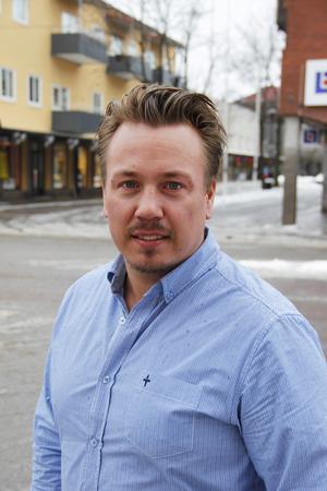 Även hovrätten utreder nu oppositionsrådet Daniel Sjöbergs (M) ersättningar som nämndeman. En polisanmälan kan bli aktuell.