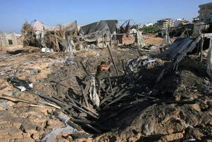 KRIGSBROTT. Det israeliska kriget mot Gaza måste få konsekvenser för de ansvariga, de ska föras till krigsdomstolen i Haag. Det skriver Richard Goldstone, som på FN:s uppdrag utrett vad som hände i Gaza.
