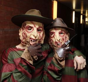 Freddy Kreuger och Freddy Kreuger strök omkring i korridorerna på Sörbyskolan i går.