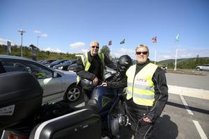 Kramforsborna Carina och David Eriksson förväntar sig att bli stoppade av polis i Norge. – Vi förväntar oss det. Vi har även med pass även om det inte behövs längre, säger Carina.