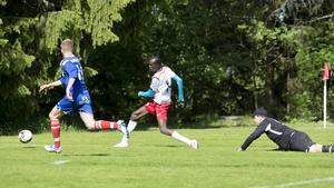 Junsele är helt överlägsna i division 5 och Adam Ali (bilden) och Sergiu Baran dominerar i skytteligan med sina 14 mål vardera.