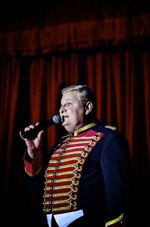 Cirkusdirektör Bengt Källquist äger Cirkus Maximum som roat publiken i 29 år.