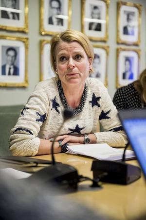 Lagändringen som Åsa Regnér (S) driver berör 170 välavlönade direktörskvinnor.