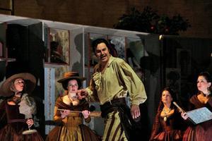Lustfyllt. Peter Mattei som societetsbarberare i Rossinis mest kända verk.