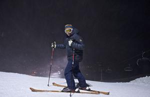 Torgny Bent tog nya sexstolsliften upp och  åkte skidor ner.