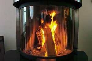 Eld i eldstad, som leder till skorstensbrand/soteldsbrand, är den näst vanligaste brandorsaken i svenska hem.