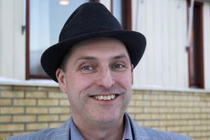 Tor Tolander, (M), ställde partiledarhoroskop i Almedalen, och vill ta med hela kommunens politiker till Gotland nästa år.