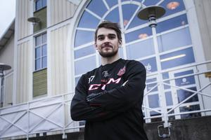 Niklas Zetterström har gjort tio säsonger i Sundsvall. Nu står han på andra sidan när HHC tar emot Sundsvall på lördagen.