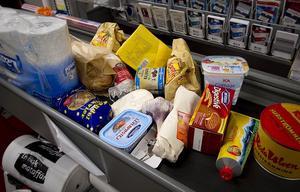 En ny fräck metod används av butikstjuvar i Bollnäs.