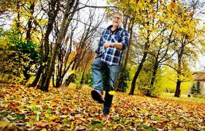 I romanen Fjällgraven placerar Hans Rosenfeldt och Michael Hjorth Riksmordkommissionen i den jämtländska fjällvärlden.                         Fjällgraven är del tre i deras serie om psykologen Sebastian Bergman och hans arbetskamrater.   Foto: Ulrika Andersson