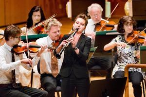 Redan framgångsrik. Klarinettisten Linda Johansson har vunnit pris för sin skicklighet. Idag var hon solist i Västerås konserthus.