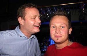 Blue Moon Bar. Niklas och Johan