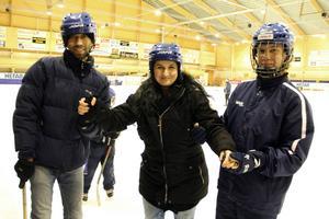 Dagmara Hälsing behövde själv hjälp, när hon skulle åka ut på isen.
