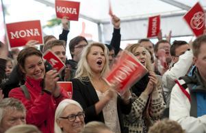 Snabba kast. I valrörelsen för bara ett par månader sedan lyftes Mona Sahlin fortfarande fram som en tillgång.foto: scanpix