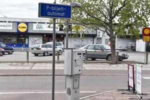 I området finns även en tredje automat, men den betjänar parkeringsplatserna på Moragatan.