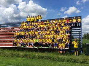 Fotbollsskolan i Dala-Järna väckte intresset hos Svenska fotbollsförbundet och nu får klubben äran att vara Players escort vid lördagens match.