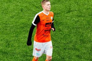 Högerbacken Mathias Benker gjorde sin första match för Grönvitt i mötet med Dalkurd.