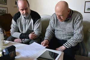 Efter nästa 40 år på Försäkringskassan kan Bengt Persson, till höger,  turerna kring hur skador ska hanteras.