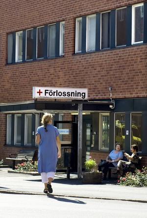 Det råder akut platsbrist på många förlossningsavdelningar, inte minst i Gävle.