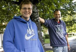 Skottland nästa. Jesper Almgren ska under elva månader jobba som volontär i Edingburgh. Mattias Andersson har som jobbcoach på Communicare varit ett viktigt stöd på vägen mot beslutet.