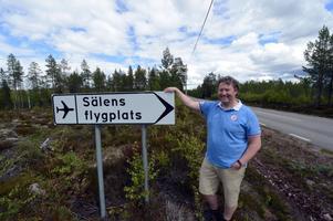 Jonas Perssons tålmodiga arbete för att göra flygplatsen i Sälen till en turistflygplats får nu fullt stöd av Region Dalarna