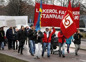 REPRIS? Så här såg det ut när Läkerolarbetarna demonstrerade i Gävle i april. Får vi se liknande scener i Stockholm på torsdag?