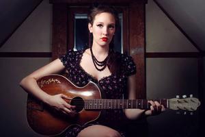 Hannah Aldridge släppte debutalbumet