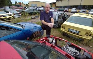Lennart Hägg, vd och ägare i Häggs bildemontering AB, satsar hårt på Bollnäs. Går allt som det ska innebär satsningen att det skapas fyra-fem nya arbetstillfällen i