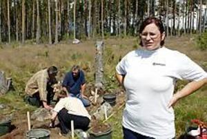Foto: Lasse Halvarsson Leder utgrävningen. Det är Katarina Liases som leder utgrävningarna där det under flera hundra år funnits en fäbodvall.