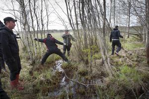Mark- och miljödomstolen hade kallat till huvudförhandling med syn i Änga, Enånger och synat blev det.