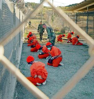 Våld föder våld. USA:s krig mot terrorismen är en flopp. Militärbasen på Guantanamo är ett praktexempel på hur en stat bör göra – om den är ute efter att skapa grogrund för terrorism.