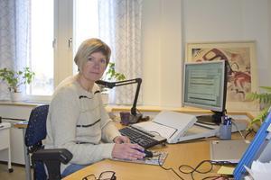 Carina Johansson är positiv till att en hemtjänstgrupp i Horndal ska testa på den nya, ännu ej helt klara, modellen.