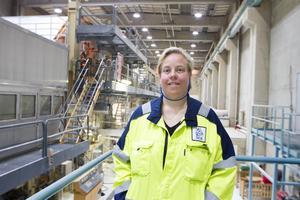 Anette Wikström jobbade skift i 20 år som operatör i driften på Ortviken innan hon blev personalledare och jobbar med att se till att de anställda har det bra.