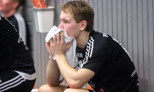 Robin Jensen deppar efter derbyförlusten mot Hallsta.