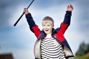 Så här glad blev Elliot Karlsson, 9 år, när han tränade på rangen.