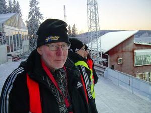 De håller koll på magsjukan och andra åkommor som dyker upp på och utanför tävlingsspåren. Läkaren Mats E Nilsson och annan personal från sjukvården rycker ut där de behövs.
