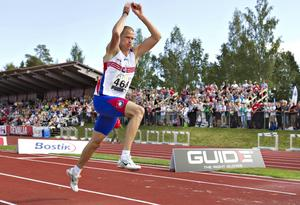 En annan OS-guldmedaljör som tävlat på Gunder Hägg-stadion är Christian Olsson. Han vann SM i tresteg 2011.