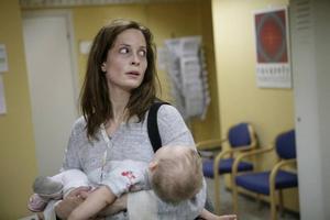 """En bild av förtvivlan. Maria Bonnevie spelar den heroinberoende mamman Lea i norska """"Engelen"""", en film som började som dokumentär men utvecklades till spelfilm."""