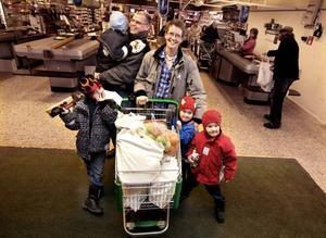 Hur handlar barn om de får bestämma själva? För att få svar på den frågan slog vi följe med familjen Hermansson ur GD:s konsumentpanel.