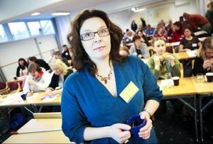 Projektledaren Elisabeth Lindholm gläds åt att allt fler flyktingar väljer att stanna kvar i Strömsunds kommun och rota sig där.