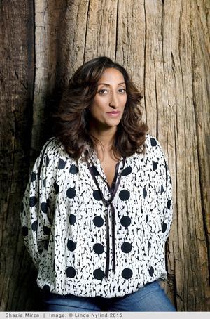 Den brittiska komikern Shazia Mirza kommer till Stockholm och Södra Teatern med sin show