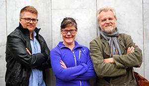 Martin Johansson (längst till vänster) regisserar och Kiki Korths-Aspegren och Anders Hedén spelar huvudrollerna när Jämtlands Kulturkompani sätter upp