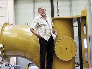Peter Ruyter, vd på företaget Cargo & Kraft Turbin AB, satsar på att effektivisera nedlagda och omoderna kraftverk.