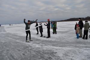 Fredrik Nylén går i mål på Ice race vintage.