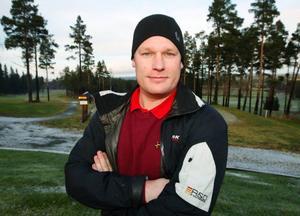 – Inte sedan vi öppnade banan 1987 har vi haft öppet så sent på året, säger Dick Fröberg, som är vd på Storsjöbygdens golfbana.
